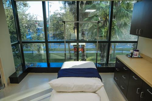Operating room at DaSilva Institute